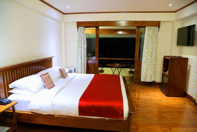 Cafe Shillong Bed and Breakfast Image
